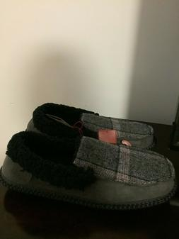 BRAND NEW MEN'S SIZE 9-10 DEARFOAMS PLAID MOCCASIN SLIPPERS