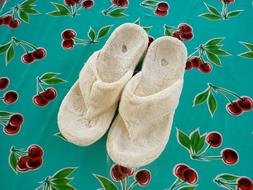 Acorn Spa Thong Fuzzy Slippers Flip Flop Large 8-9 Narrow Me