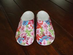 CROCS, Womens Freesail, Tropical Floral, Size 6, NWOT